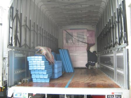 トラックへ積込み