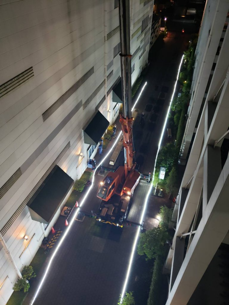 長物11mの夜間搬入作業